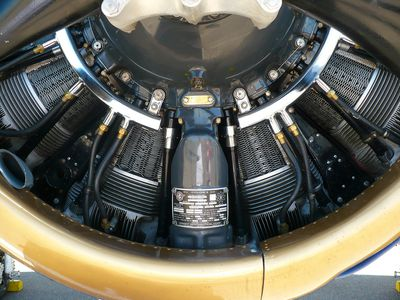 inner workings of propellor on an aircraft
