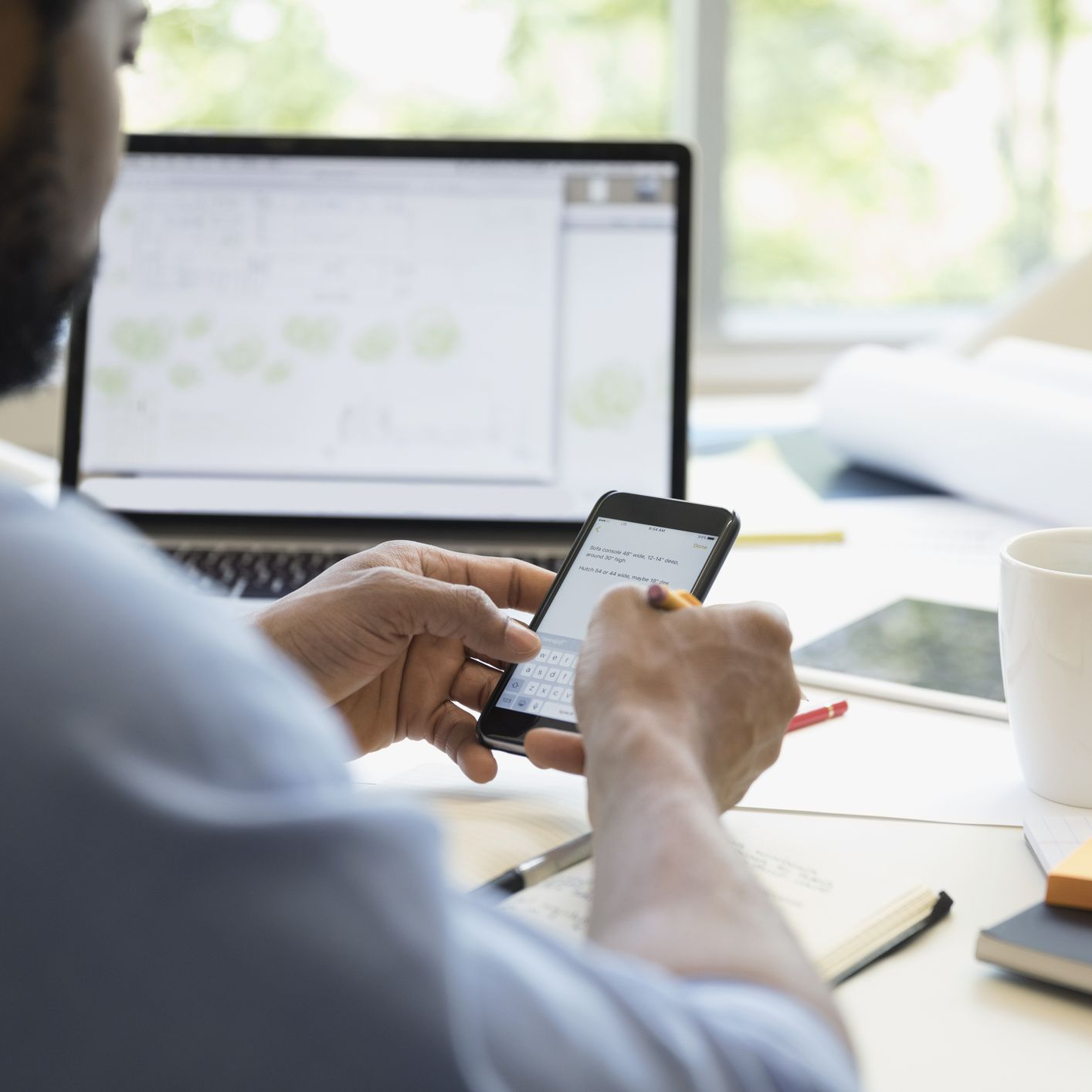 Turn Your Company Smartphone Into a Sales Tool