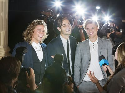 Music Celebrities being interviewed with paparazzi