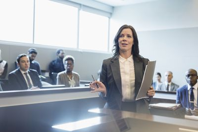 how to become a trial attorney