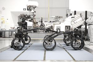Side profile of the Mars rover Curiosity