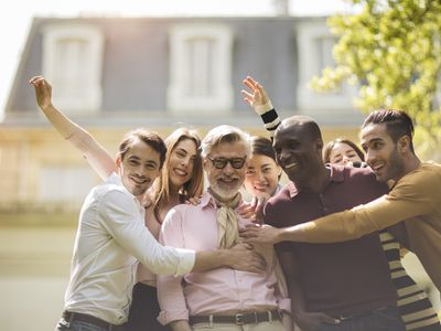 You can build a successful work team to make life at work grand.