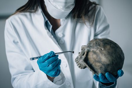 what do you need to be a forensic investigator