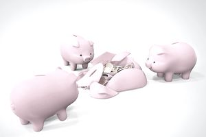 Four Piggy Banks, One Broken