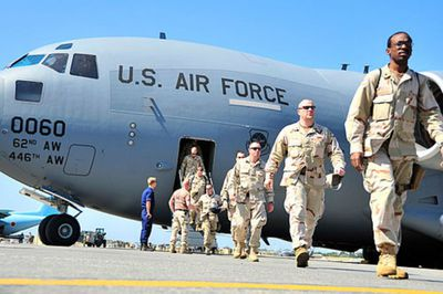 U.S. Air Force pilots exciting plane
