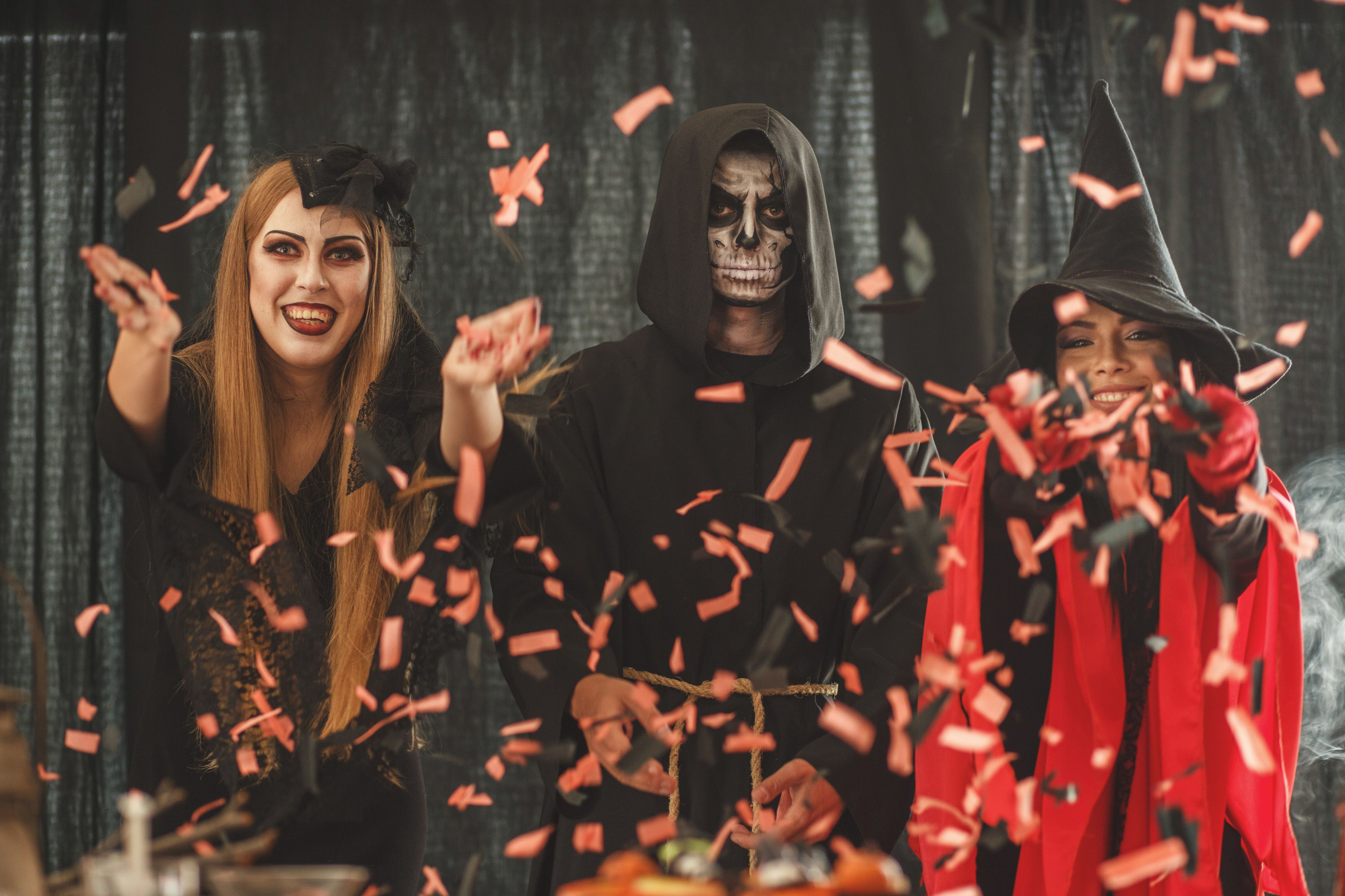 Halloween Party Traditions.Fun Ways To Celebrate Halloween At Work