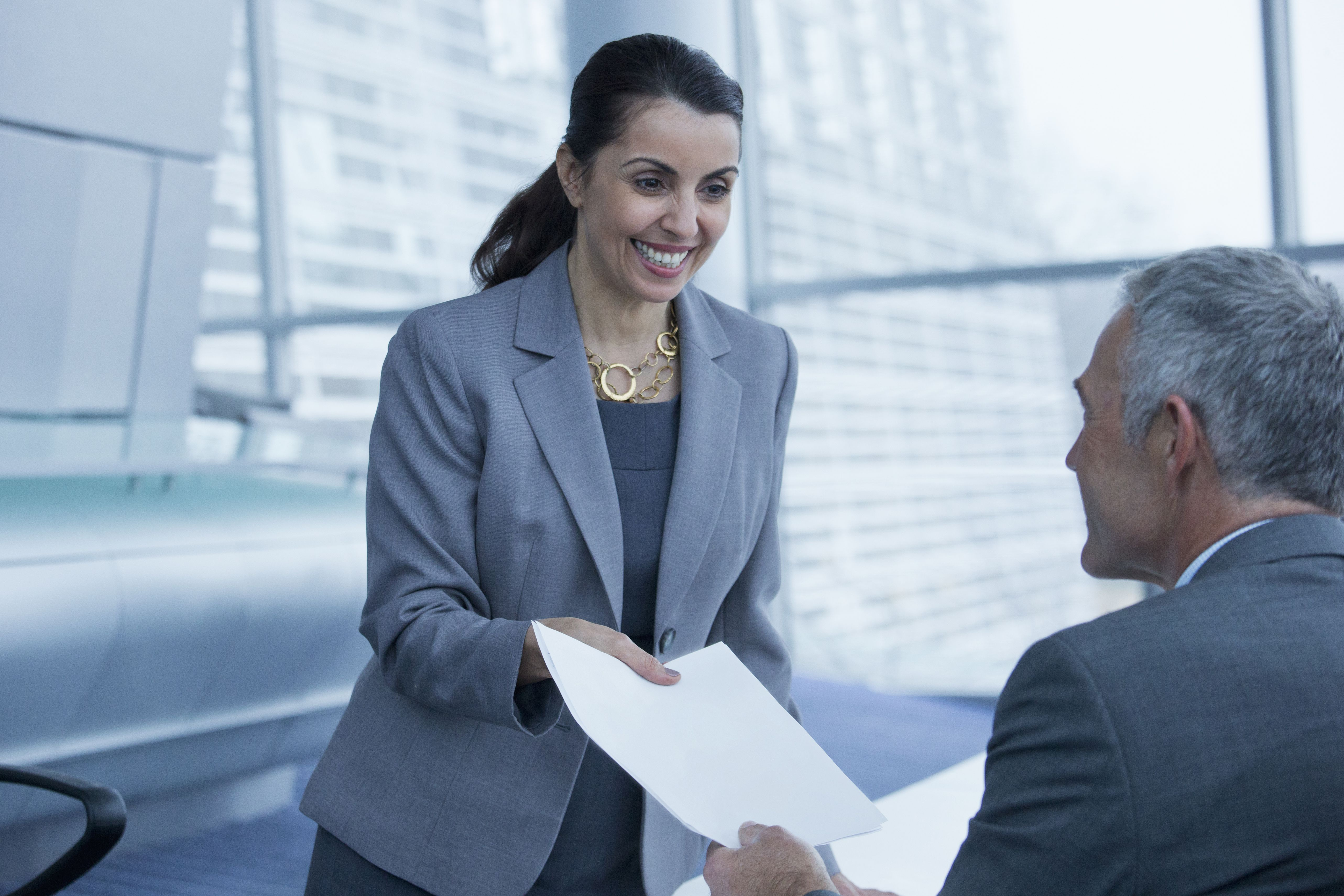 10 Resume Red Flags That Employers Need To Heed