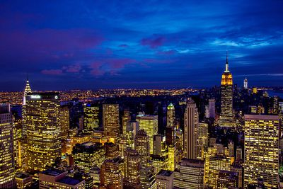 A view of the New York skyline at night