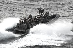 US Marines Respond to Piracy Aboard a Vessel Off the East Coast Of Africa