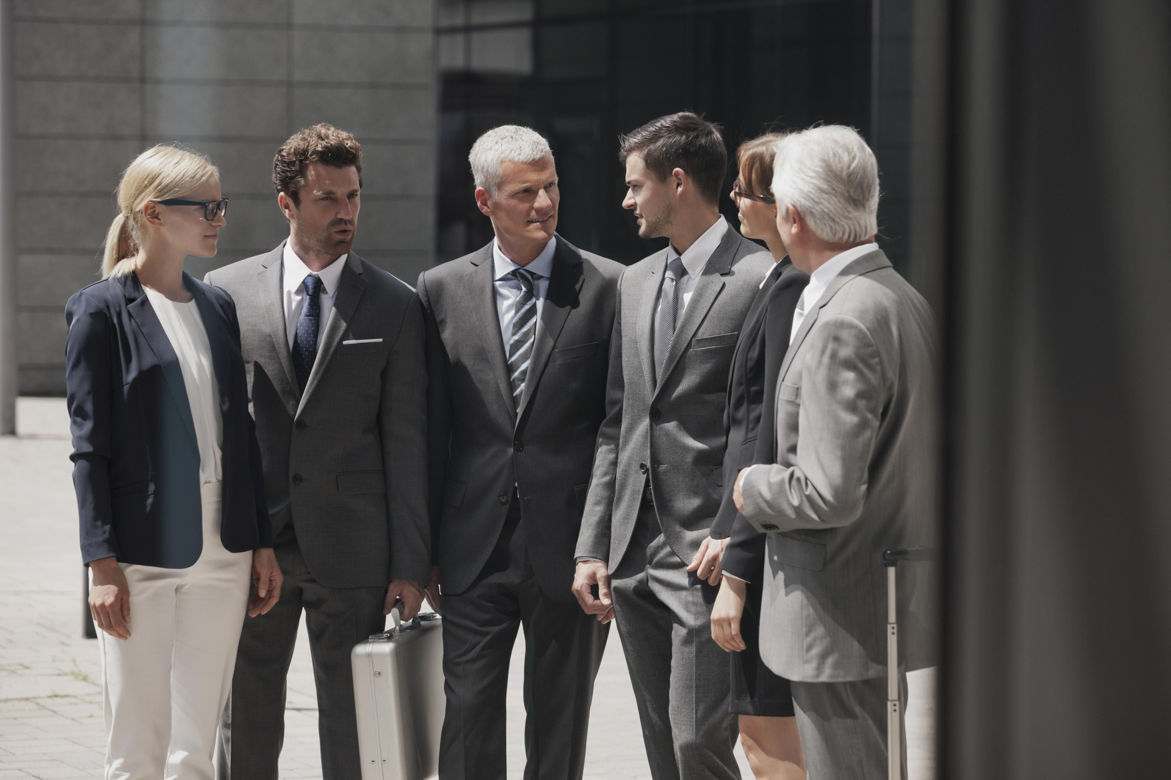 how to dress in a business formal workplace