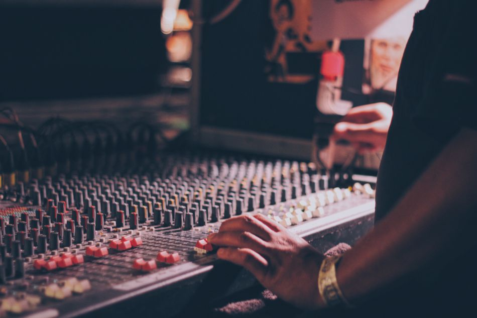 how to start a small record label