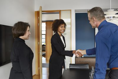 tips for how to hire a salesperson