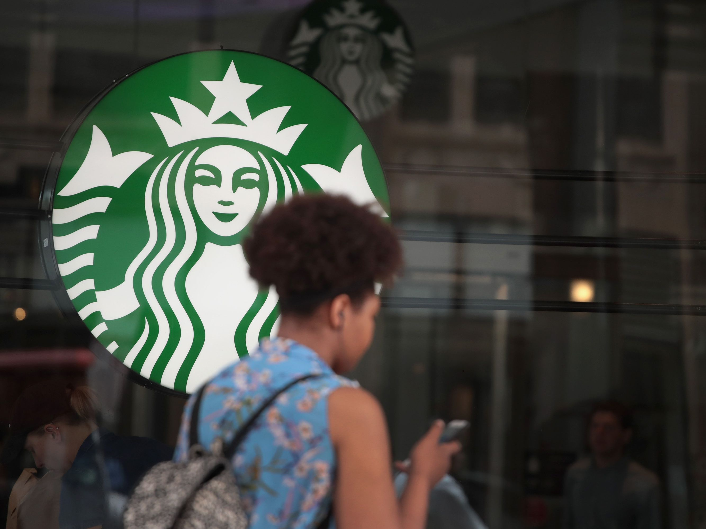 Find out What to Wear to a Job Interview at Starbucks