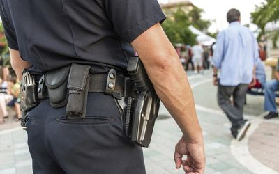what is the relationship between discretion and police ethics