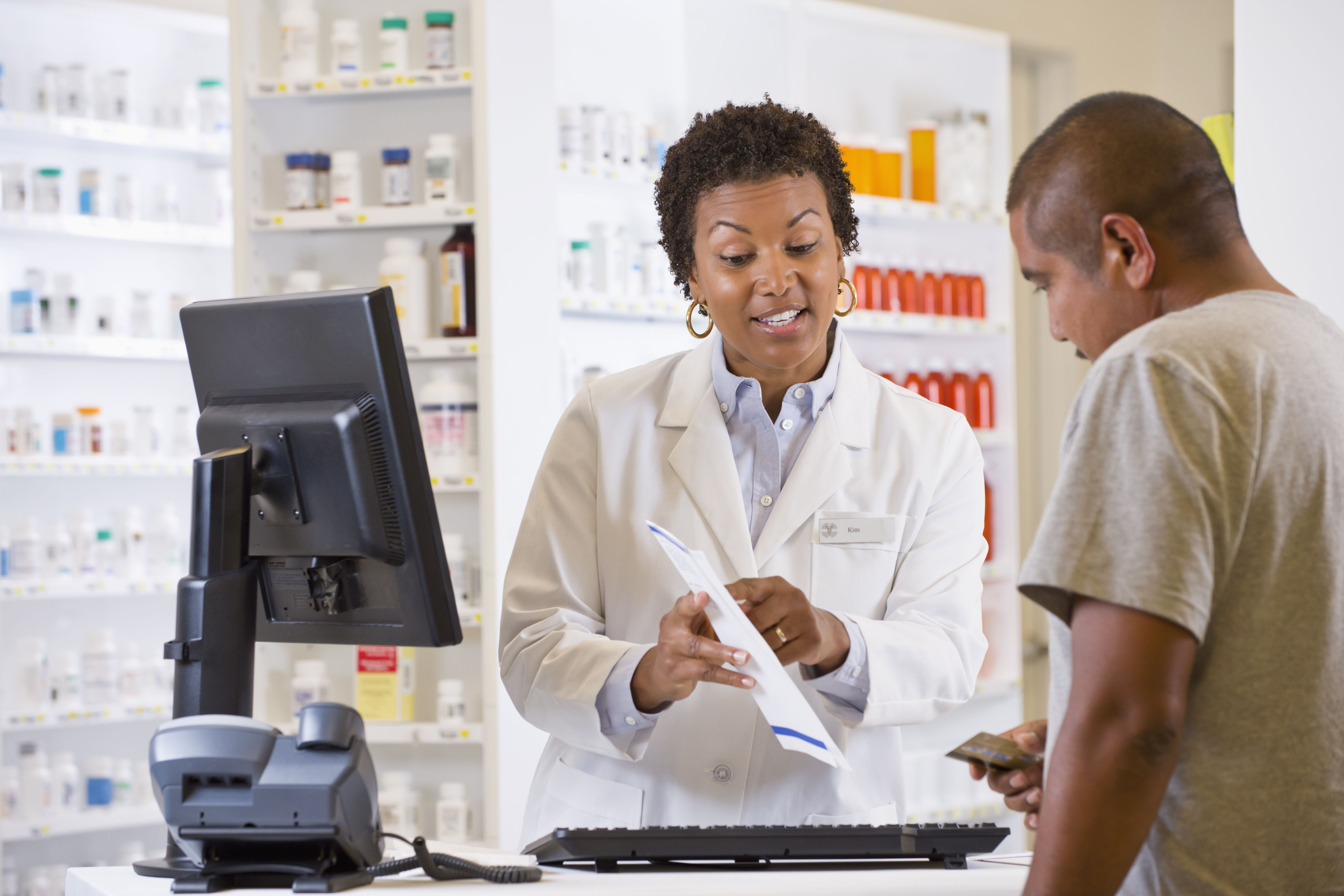 how to become a pharmacist - education and licensing