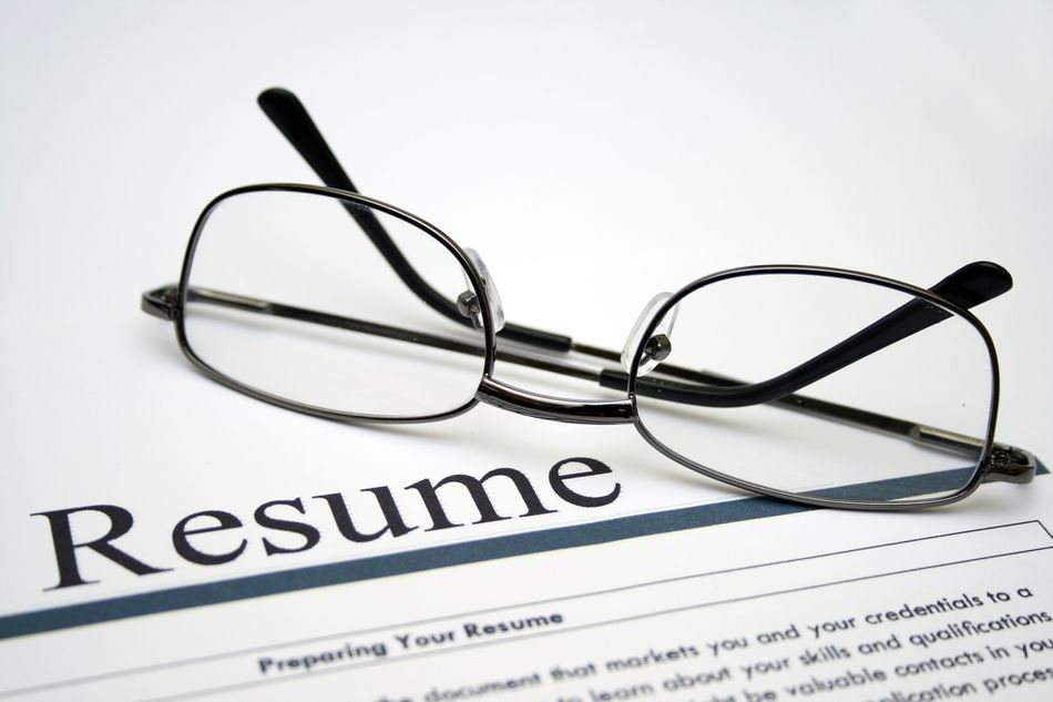 resume with glasses
