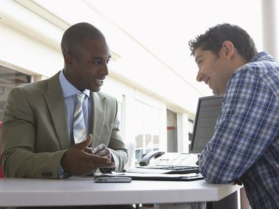 Setting performance appraisal goals helps an employee understand his manager's expectations.