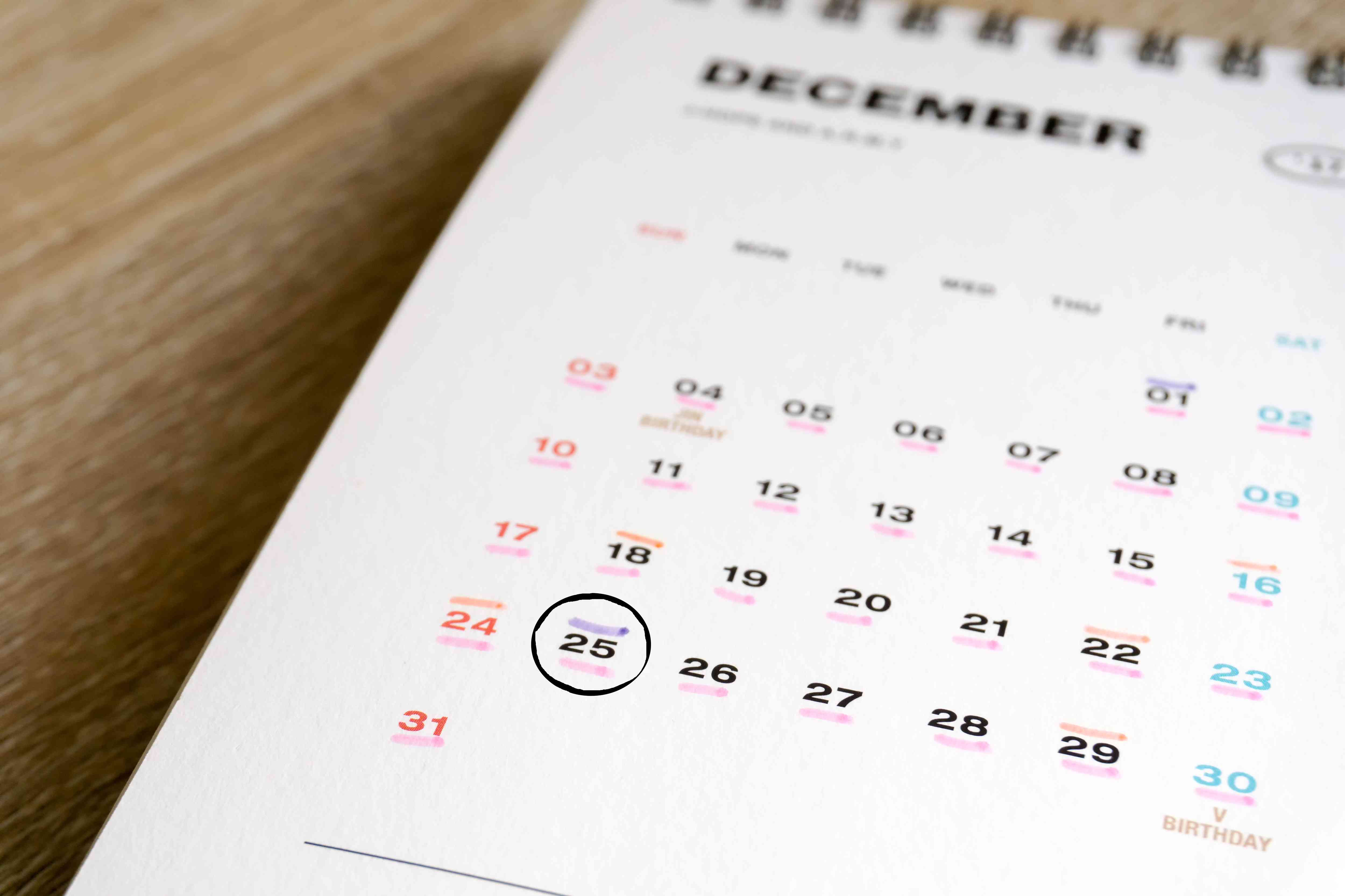 Using a Calendar to schedule days worked