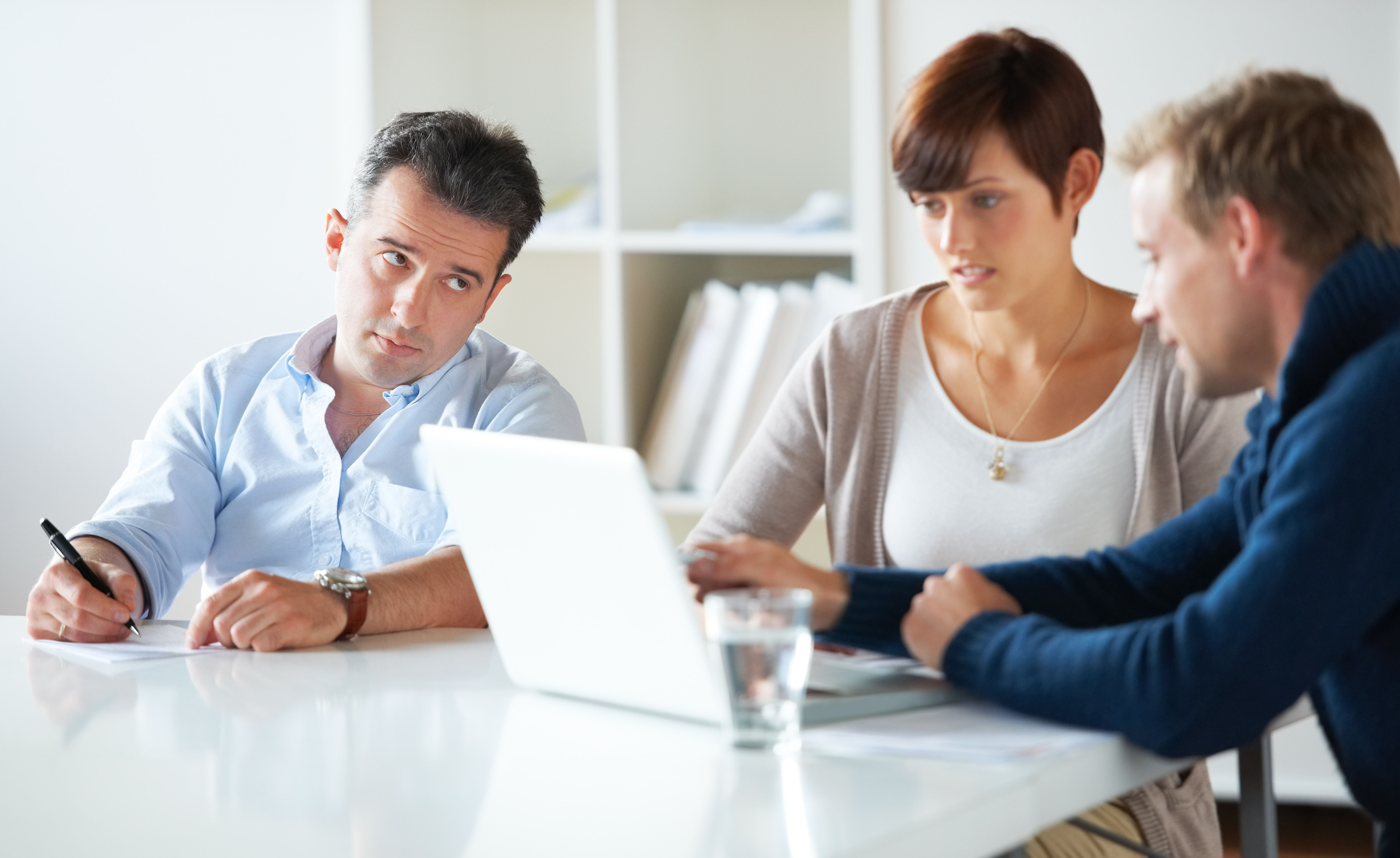 Learn the Impact of a Deadbeat Employee and How to Best Manage One