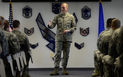 best service 392c1 cfd4f CMSAF speaks to Airmen