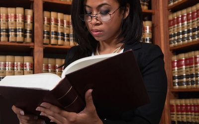 Why Should You Should Become a Lawyer? 8 Top Reasons