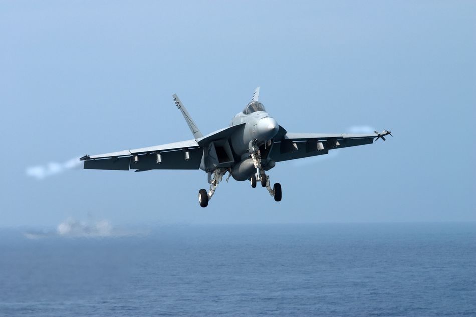 how to become a fighter jet pilot in the navy