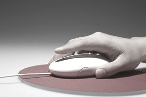 hand with mouse